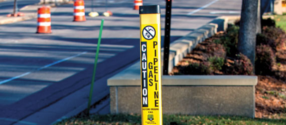 162748_safety_pipe_marker_wide.jpg